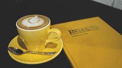 20141116_12 (fujinliow) Tags: coffee yellow cafe style latte entomology fujin liow fujinliow liowfujin cafevelocity