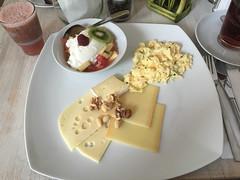 Frhstck bei Florentina (Oberau-Online) Tags: frhstck breakfast murnauamstaffelsee bayern deutschland de
