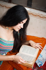(the.redhead.and.the.wolf) Tags: woman lady portrait nepal pokhara ukrainian reading book naturallight
