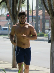 IMG_3065 (CAHairyBear) Tags: men man hom homme hombre uomo shirtless