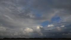 Regenneigung in St. Peter-Ording; Eiderstedt, Nordfriesland (5) (Chironius) Tags: eiderstedt nordfriesland schleswigholstein deutschland germany allemagne alemania germania    ogie pomie szlezwigholsztyn niemcy pomienie stpeterording nordsee meer see wolken clouds wolke nube nuvole sky nuage  himmel ciel cielo hemel  gkyz northsea mardelnorte maredelnord merdunord