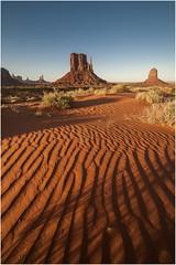 Monument Valley  v008 (Ezcurdia) Tags: monumentvalley utah arizona usa eeuu navajo tsebiindisgaii limolita navajotrivalpark johnfordpoint