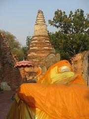 Ayutthaya - Wat Phutthaisawan reclining Buddha (eltpics) Tags: eltpics thailand ayutthaya buddha buddhism buddhist reclining