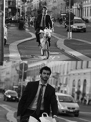[La Mia Citt][Pedala] con il bikeMi (Urca) Tags: milano italia 2016 bicicletta pedalare ciclista ritrattostradale portrait dittico nikondigitale mir bike bicycle biancoenero blackandwhite bn bw bnbw 881135 bikemi bikesharing