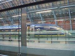 Eurostar e320 set 4017/4018 has just arrived at St Pancras Intl Station from Paris Nord. (DesiroDan) Tags: highspeed1 stpancrasinternational eurostar eurostare320 eurostarclass374 class374velaro uktrains ukelectricunits highspeedtrainsintheuk britishrailclass374