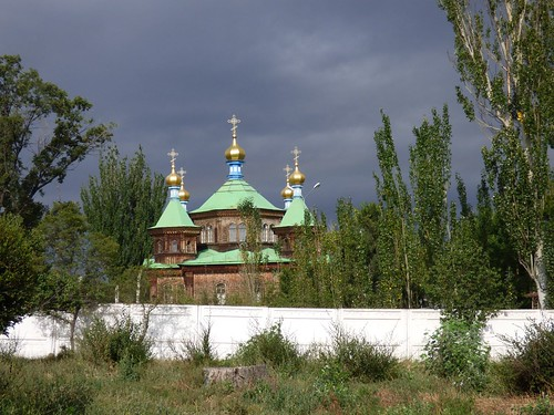 """Russisch Orthodoxe Kirche in Karakol • <a style=""""font-size:0.8em;"""" href=""""http://www.flickr.com/photos/144983949@N02/29317564952/"""" target=""""_blank"""">View on Flickr</a>"""