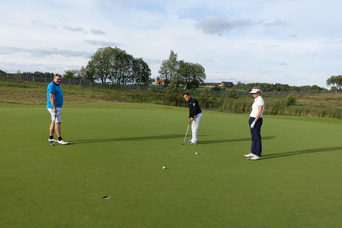 Networking golf (2)