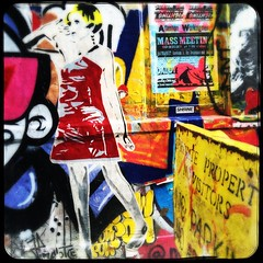 Mr. Fahrenheit, London (steckandose.gallery) Tags: hyper urbanart stencil hackney art stencilgraffiti stickerstickerporn 2016 eastlondon redchurchstreet fashionstreet funk streetarturbanartart redchurchstreetlondonukeastlondonhackneyshorditch boundarystreet mrfahrenheit london bricklane streetartlondon super uk shoreditch streetart mfh installation steckandose sticker mfhmrfahrenheitmrfahrenheitursopornobabysoloshow ursopornobabyursopornopornobaby pasteup graffiti steckandosegallery hyperhyper sclaterstreet
