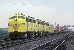 C&NW F7 403 (Chuck Zeiler) Tags: cnw f7 403 railroad emd locomotive train circus chz