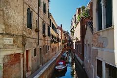 Fondamenta de le Grue (Skylark92) Tags: italy italie venezia venice venetie fondamenta de grue veneto canal water le boat boats