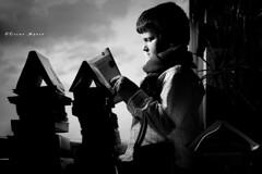 Cuentos para pensar (oskar35) Tags: portrait oscar retrato books bn libros nio manso