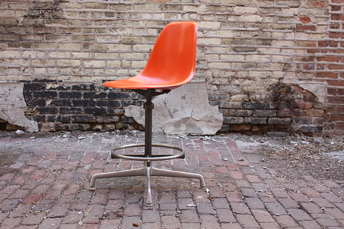 Rare Vintage Eames Adjustable Stool/ Drafting Chair Model EC123 for Herman Miller (U.S.A., 1970)
