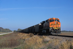 BNSF 6106 north October 2012 (CentralILRailfan) Tags: santa railroad st burlington train louis quincy illinois long railway trains il hwy mo lousiana fe coal northern rejected freight bnsf 79 6106 es44ac rejections railpicturesnet railpictures