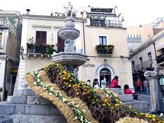 Taormina FlorArt (Luigi Strano) Tags: flowers italy flores fleurs europa europe italia blumen sicily fiori taormina sicilia messina sicile sizilien     florart florarttaormina