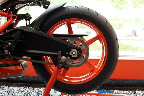 KTM-RC8R-India-10