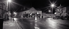 Bakewell - Bridge Street from the Bridge (Regular Rod) Tags: street blackandwhite panorama 120 film monochrome night holga shadows derbyshire peakdistrict ilfordhp5 bakewell array 6x12 holgaheads ysplix pyrocatechol catechol obsidianaqua holgagon schneiderkreuznachangulon90mm filmdev:recipe=8946