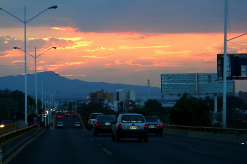 Atardecer en Ave. Salvador Nava - SLP may 2013 2639