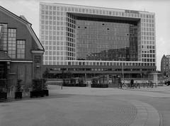 Culture and Information (pixel-art) Tags: der spiegel deichtorhallen architektur hamburg fomapan100 rodinal 150 mamiya645protl sekorc8028n canon8800f vuescan