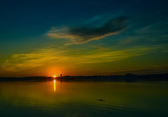 A new beginning..... (tomk630) Tags: virginia nature sunrise potomac river beginning