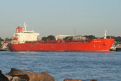 GRAND ACE 5 in New Jersey, USA. August, 2016 (Tom Turner - SeaTeamImages / AirTeamImages) Tags: vessel dock docked tanker water waterway channel kvk killvankull spot spotting newjersey gardenstate bayonne tomturner grandace grandace5 red scarlet crimson statenisland newyork nyc bigapple unitedstates usa marine maritime pony port harbor harbour transport transportation