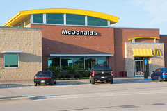 McDonald's (ezeiza) Tags: oklahoma ok muskogee muskogeeturnpike turnpike toll road tollway mcdonalds goldenarches golden arches restaurant fastfood fast food drivethrough drivethru drive through thru sign travelplaza travel plaza concession area signs