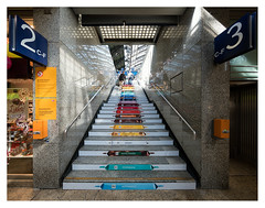Sweet stairs (leo.roos) Tags: stairs trap staircase stairway platform gleis station bahnhof klnhbf kln cologne keulen september2016 a7rii voigtlanderheliarhyperwide10mmf56e darosa leoroos ritter