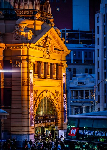 Flinders St Station Entrance-1