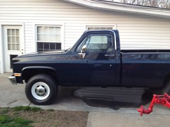 1986 GMC Pickup Restoration (bslook1213) Tags: classic chevrolet truck 1974 1971 1982 backyard gm 4x4 general suburban photos antique 1987 jimmy pickup sierra motors chevy 1984 1975 1981 restoration 1978 1983 1970 c20 1970s 1986 1977 1980 1985 blazer 1979 1973 gmc 1976 fourwheeldrive gmctruck generalmotors bodywork longbed stepside c10 c30 c1500 k2500 shortbed automotivepainting rustrepair 19731987 antiquescooters