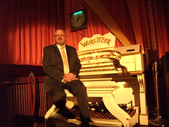 Paul Gregson, organist at the Royalty Cinema, Bowness on Windermere, Cumbria. (Paul Gregson) Tags: cinema organ cumbria windermere wurlitzer bownessonwindermere organist organconsole wurlitzerorgan cinemaorgan royaltycinema paulgregson furnesstheatreorganproject