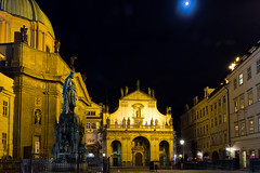 Midnight hour's close again (fuerst) Tags: travel moon statue mond nightshot prague prag praha tschechien czechrepublic reise nachtaufnahme charlesiv kreuzherrenplatz krizovnickenamesti karliv
