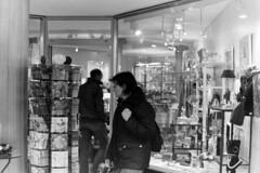 Streetphoto  Hamburg, (fipixx) Tags: life street city urban house building architecture contrast strasse hamburg haus streetscene front stadt architektur streetphoto society kontrast gebude strassenszene huser alltag stadtleben gesellschaft strassen lebenswelt lifeworld strassenfoto