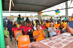 Dignitaries and audience give applause at Sportsfest 2013 (IITA Image Library) Tags: sports audiences recreationalactivities sportsfest2013