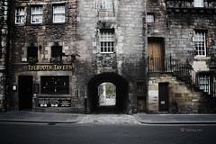 Old Tolbooth Wynd (fabiog86) Tags: street old travel building canon eos scotland edinburgh royal tavern edimburgo viaggio mile vacanza wynd scozia tolbooth 18200mm 450d