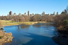 Central Park (ElianePires) Tags: park nyc newyorkcity lake ny newyork centralpark manhattan bluesky iloveny d40