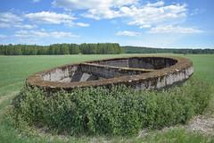 Polttoainesilin kuori (porkkalanparenteesi) Tags: friggesby vanha lentokentt soviet urban exploring kirkkonummi abandoned airfield