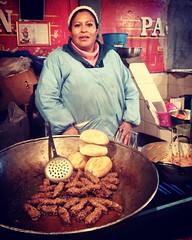 """para sentir el sabor de las noches de La Paz, busquen a la Sra. Julia en """"Las Velas"""" es """"el pan con chorizo""""! #LaJenkinsLPZ2016"""