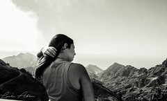 Big world. (lauraabreualonso) Tags: airelibre anaga rbol background paisaje canary canarias landscape hands hair laurisilva beautiful planta blackandwhite traveling black ocean espaa islascanarias portrait amazing flower wonderful stunning shot photography photo exploring sendero sun bosque bosquelaurisilva drive driving light trekking love tenerife tenerifa moment capture nikon
