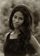 Morgan (02_053BW) (ronnie.savoie) Tags: africanamerican black noir negra woman mujer chica muchacha girl pretty guapa lovely hermosa browneyes ojosnegros brownskin pielcanela portrait retrato model modelo modle smile sonrisa lafrenierepark metairie louisiana diaspora africandiaspora
