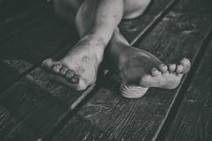 Los pies de la gente corriente (Mishifuelgato) Tags: los pies de la gente corriente nikon d90 1870mm portrait photography black white blanco negro foot barefoot alicante san felipe neri hondo crevillente