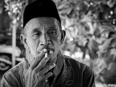 Cigarette160707 (Stefan Kruse) Tags: cigarette bw lombok indonesia travel portrait family father grandfather olympus oly1240pro stefankruse