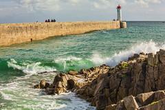 Bretonische Brandung II (Seahorse-Cologne) Tags: audierne bretagne breizh brandung meer leuchtturm lighthouse frankreich france sea wellen