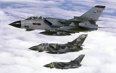 TORNADO GR1 ZA471 AJK AARA6 140799 3 ship N109 1920 (Chris Lofting) Tags: tornado gr1 za471 ajk aara6 raf airtoair 617 617sqn dambusters