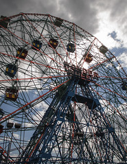 Coney Island. Wonder Wheel. (Vitaliy973) Tags: nyc newyork brooklyn coneyisland wonderwheel astrolandpark nikond7000