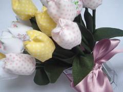 Tulipas em tecido - duzia (Ateliê Arte da Maia) Tags: batizado tulipas bebe casamento menina aniversário decoração tecido lembrancinha centrodemesa decoraçãodefesta mesadebolo decoraçãodequartos
