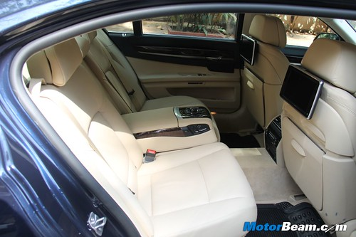 2013-BMW-7-Series-09
