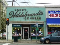 Williston Park, NY Hildebrandt's Ice Cream (army.arch) Tags: ny newyork sign restaurant neon longisland icecream storefront parlor willistonpark vitrolite