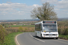Solo powering up the hill with a scenic view (charlie2051) Tags: bus ahead rural coast countryside pretty south go scenic east solo dorset service coaches 2007 309 gillingham stour cav blandford optare 3711 damory mx57 mx57cav