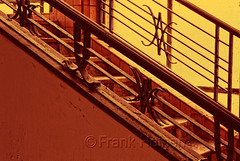 Prventorium (frank-heinen-photographer) Tags: fenster ruine architektur sanatorium bau gebaeude verlassen einsam denkmal urbex morbide lostplace baustil bauhausstil preventorium lungenkrank treppenhaustreppestufen