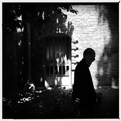 Untitled (mohsen_ch) Tags: street blackandwhite bw iran streetphotography tehran iphone iphoneography