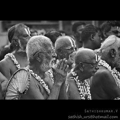 Worship - Part of Iyers (Sathish_Photography) Tags: white black car festival temple photography photos weekend madras holy part photowalk chennai society pulling sathish psm cwc clickers iyers parthasarathy triplicane